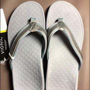 Vionic leather Flip Flops